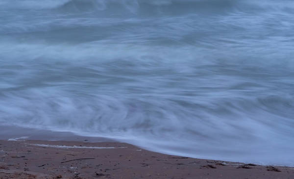 Photograph - Ocean Waves by Tom Singleton