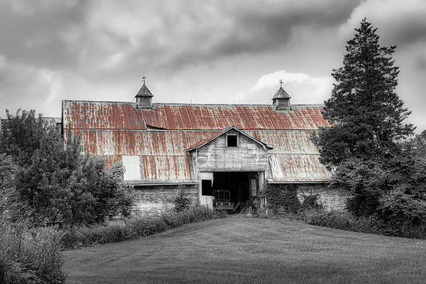 Wall Art - Photograph - Ohio Barn In Black And White by Tom Mc Nemar