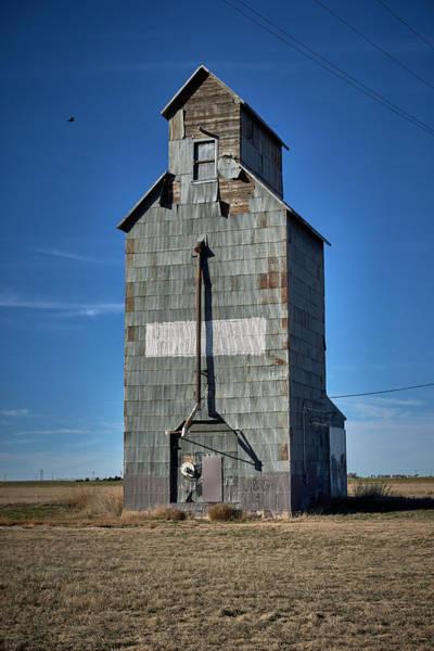 Wall Art - Photograph - Old Grain Elevator by Paul Freidlund