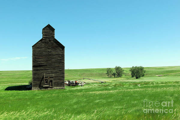Middle Of Nowhere Photograph - Old Grain Silo Near Cartwright North Dakota by Jeff Swan
