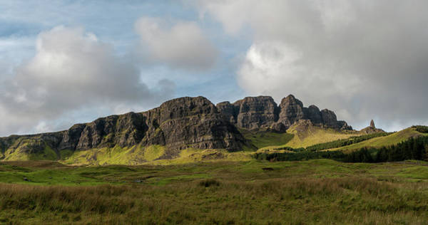 Paysage Photograph - Old Man Of Storr-ecosse.jpg by Photographie De Paysages-