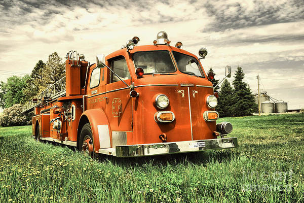 Epping Wall Art - Photograph - Old Williston Ladder Truck  by Jeff Swan