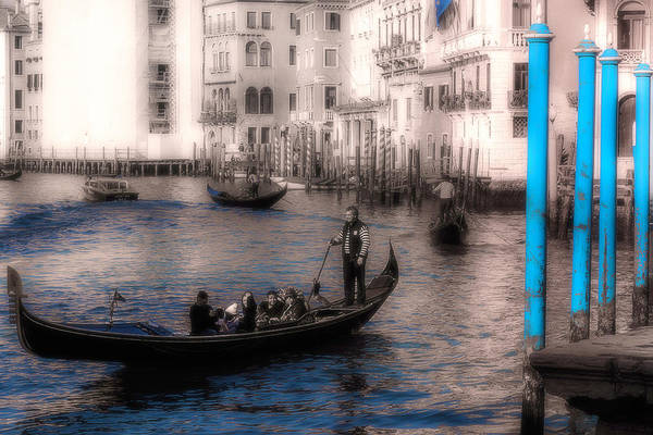 Photograph - On The Grand Canal by Wolfgang Stocker