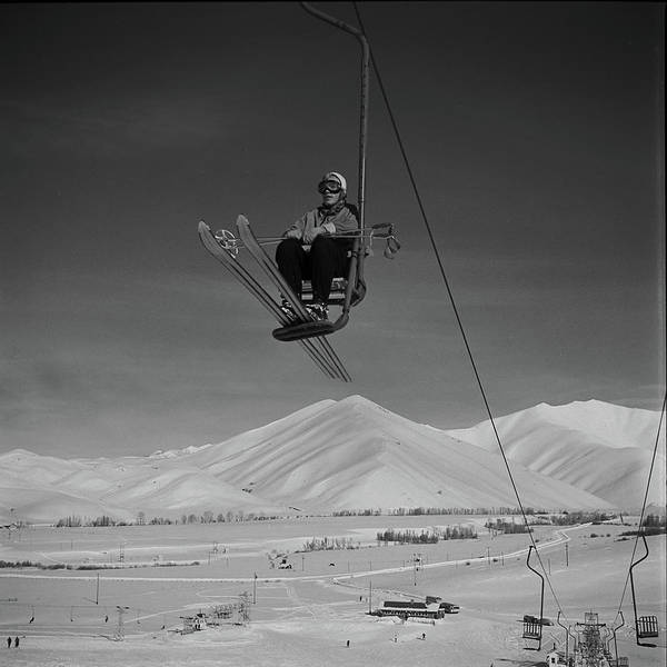 Photograph - On The Lift by Loomis Dean