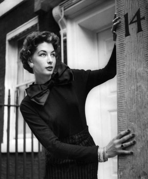 Photograph - One Woman Show by John Chillingworth
