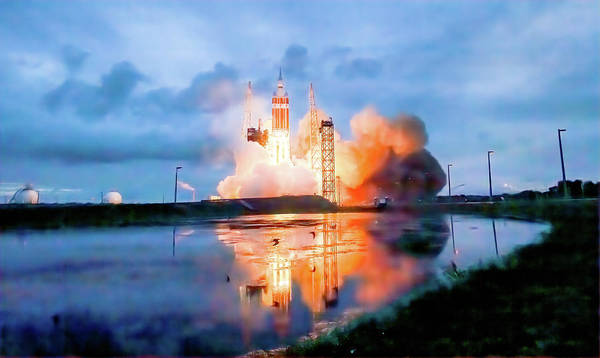 Delta Iv Photograph - Orion Exploration Flight Test by Nasa