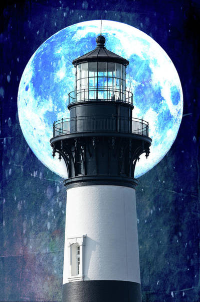 Bodie Digital Art - Outer Banks Bodie Lighthouse And Moon by Dan Carmichael