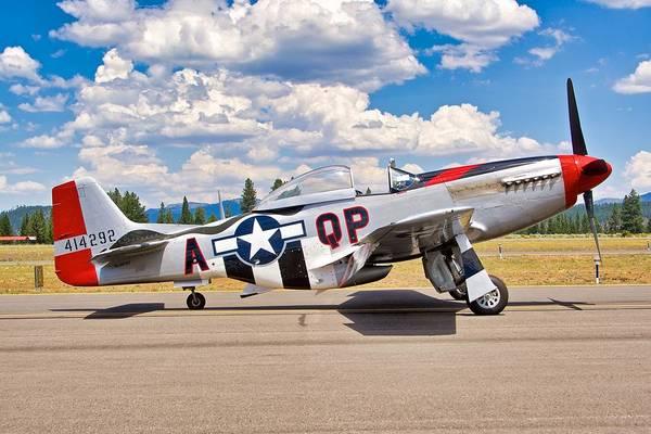 Wall Art - Photograph - P-51 Mustang by Hayman Tam