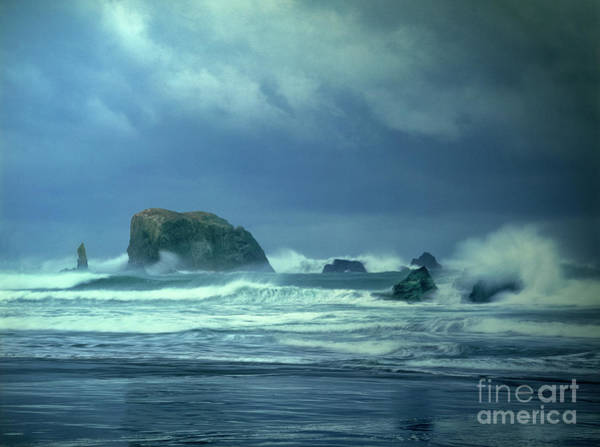 Photograph - Pacific Storm Bandon Beach Oregon by Dave Welling