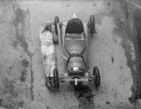 Scale Photograph - Palmer Special by R. Wesley