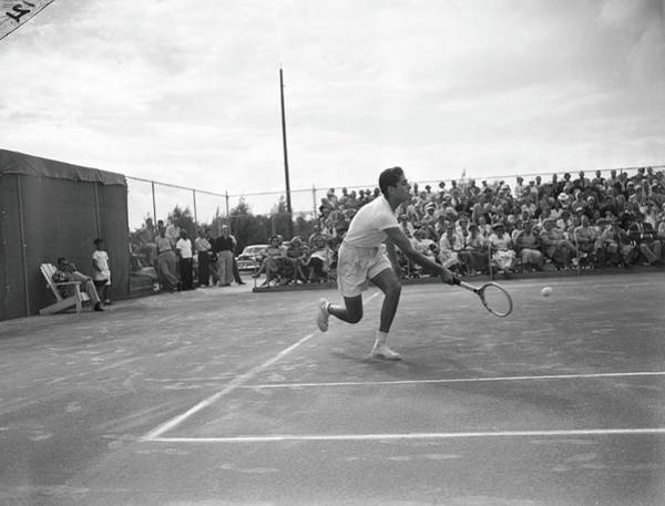 Sport Venue Photograph - Pancho Gonzales On The Court by Bert Morgan