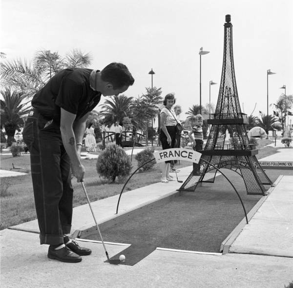 Ball Photograph - Paris Golf by Three Lions