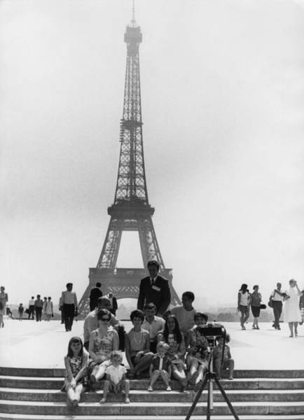 Capital Cities Photograph - Paris Tourists by Central Press