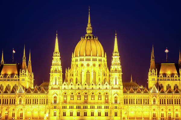 Wall Art - Photograph - Parliament At Twilight by Andrew Soundarajan