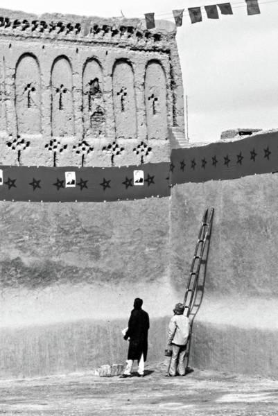 Wall Art - Photograph - Party Preparations - The Sahara Bw by Steve Harrington