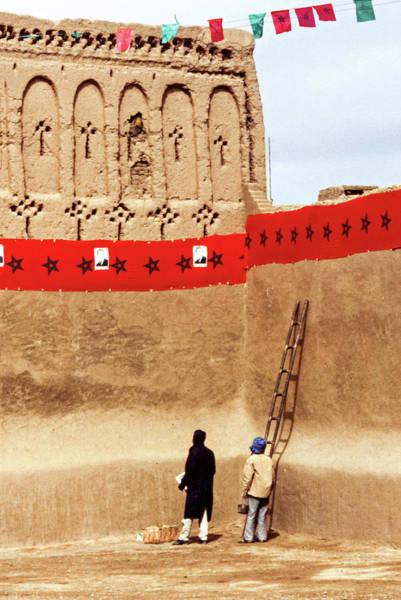 Wall Art - Photograph - Party Preparations - The Sahara by Steve Harrington