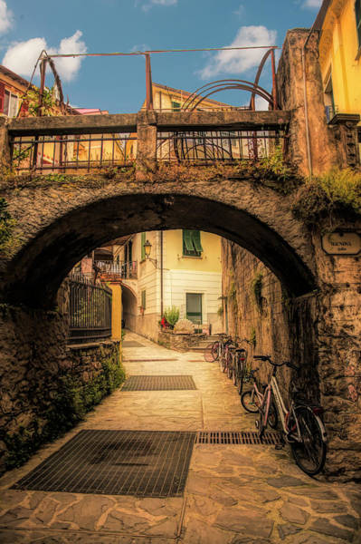 Photograph - Passageway In Monterosso by Mick Burkey