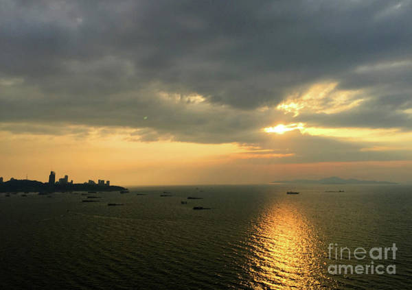 Wall Art - Photograph - Pattaya Sunset by Andrew Dinh