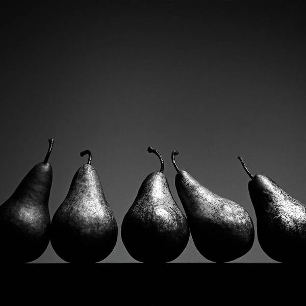 Black Background Photograph - Pears by Eddie O'bryan