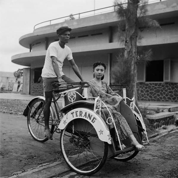 Public Land Photograph - Pedicab Star by Ebri
