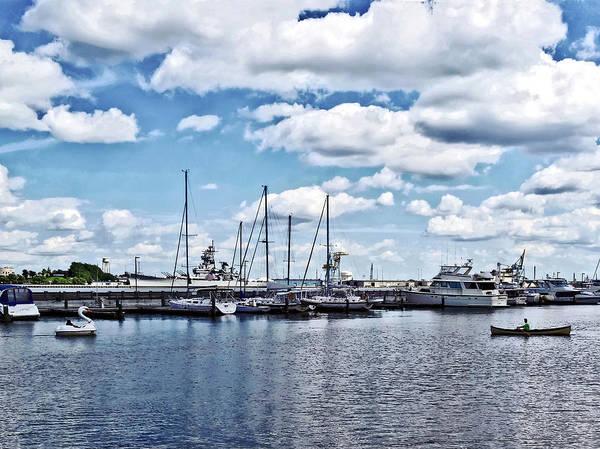 Photograph - Philadelphia Pa - Boat Basin At Penn's Landing by Susan Savad