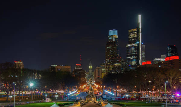 Wall Art - Photograph - Philly At Night - Benjamin Franklin Parkway by Bill Cannon