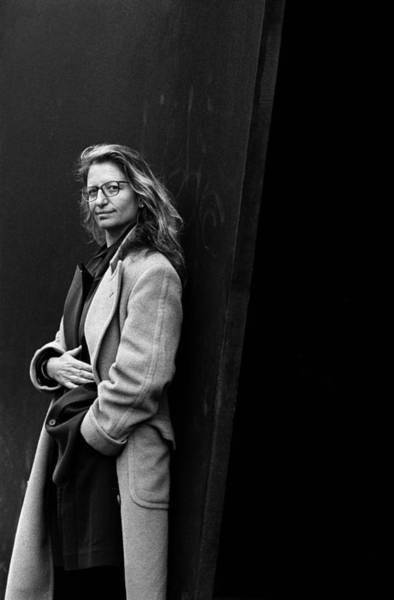 Wall Art - Photograph - Photo Of Annie Leibowitz by Paul Bergen