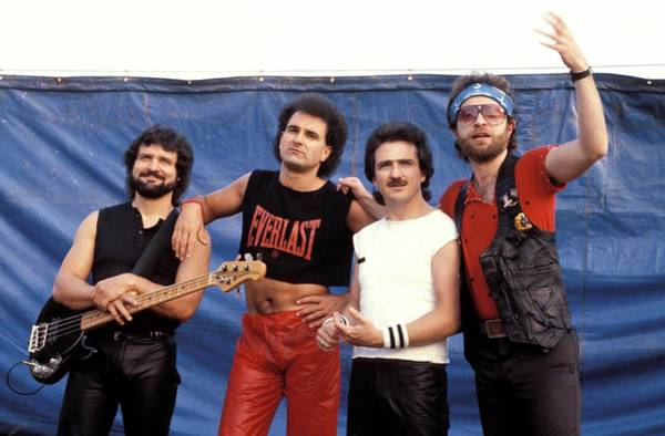 Blue Oyster Cult Wall Art - Photograph - Photo Of Blue Oyster Cult by Pete Cronin