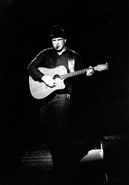 Brook Photograph - Photo Of Garth Brooks by Michael Ochs Archives
