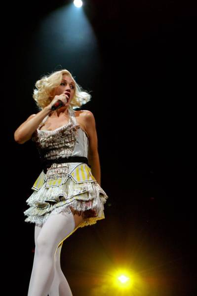 Gwen Stefani Photograph - Photo Of Gwen Stefani by Stephen Albanese