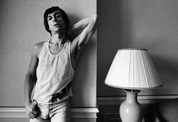 Photograph - Photo Of Iggy Pop by Paul Bergen