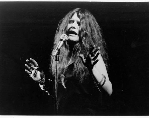 Janis Joplin Photograph - Photo Of Janis Joplin by Michael Ochs Archives