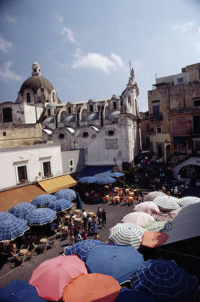 Parasol Photograph - Piazza Umberto by Slim Aarons