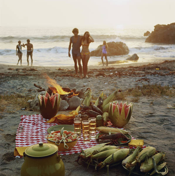 1974 Photograph - Picnic On Beach by Tom Kelley Archive
