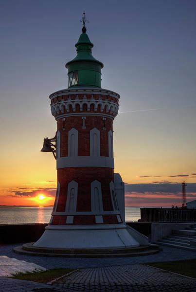 Bremen Wall Art - Photograph - Pingel Tower At The Kaiser Lock by Olaf Jainz / Look-foto