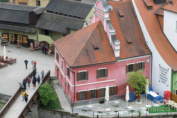 Photograph - Pink House In Cesky Krumlov  by Les Palenik
