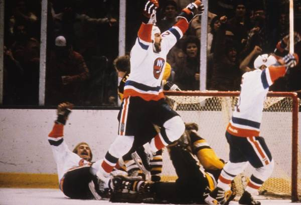 Ice Hockey Photograph - Pittsburgh Penguins V New York Islanders by B Bennett