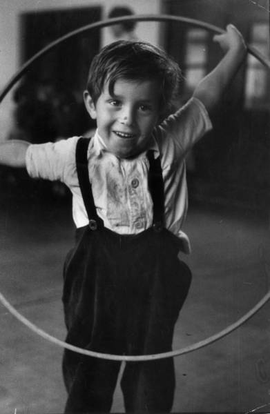 Learning Photograph - Plastic Hoop by John Chillingworth