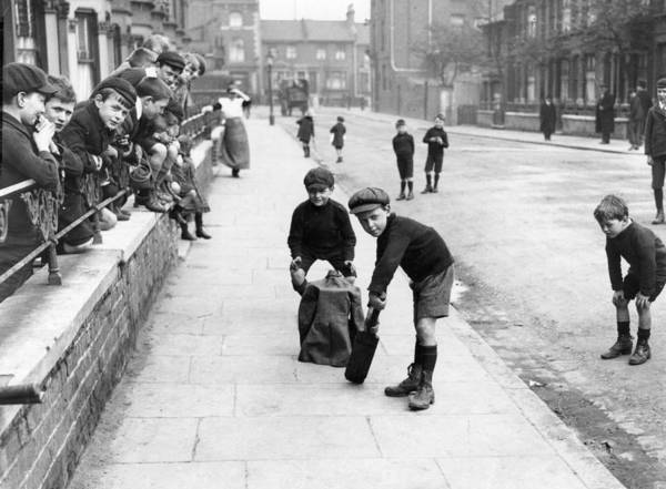 Resourceful Photograph - Playing In Street by Central Press