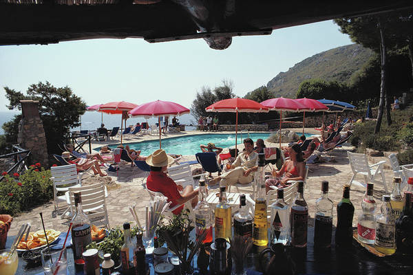 Parasol Photograph - Poolside Bar by Slim Aarons