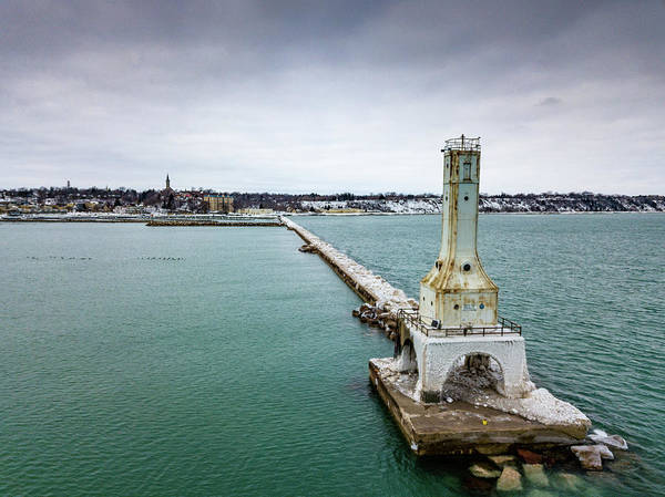 Photograph - Port Washington Breakwater Light by Randy Scherkenbach