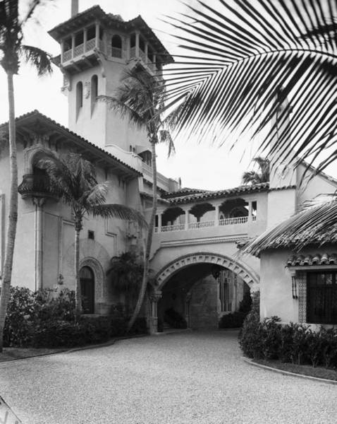 Businesswoman Photograph - Porte-cochere At Mar-a-lago by Bert Morgan