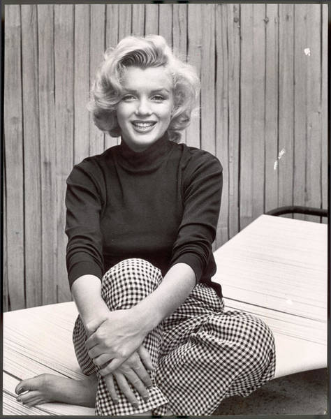 Photograph - Portrait Of Marilyn Monroe At Home by Alfred Eisenstaedt