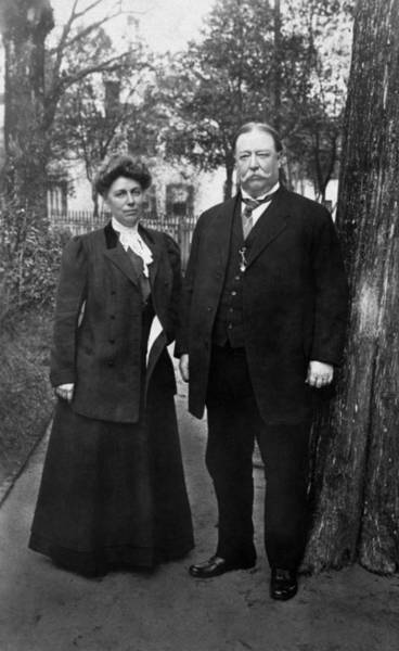 Herron Photograph - President Taft And First Lady Helen Taft - 1909 by War Is Hell Store