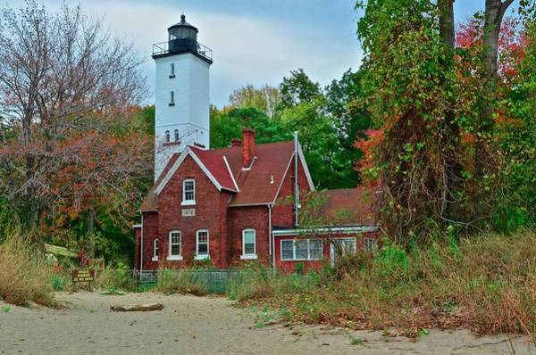 Coast Guard House Photograph - Presque Isle Lighthouse by Frozen in Time Fine Art Photography