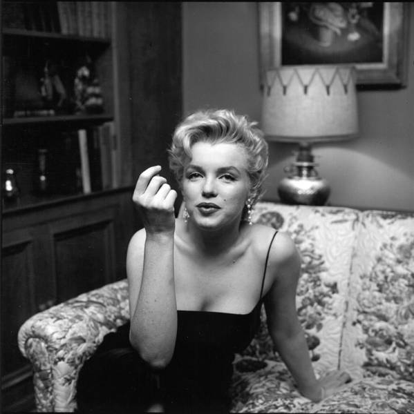 Marilyn Monroe Photograph - Press Party At Marilyns by Michael Ochs Archives