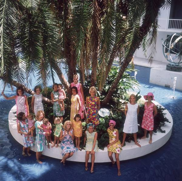 Swimming Pool Photograph - Pulitzer Fashions by Slim Aarons