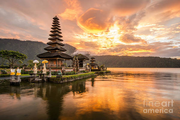 Famous Wall Art - Photograph - Pura Ulun Danu Bratan, Hindu Temple On by Zephyr p