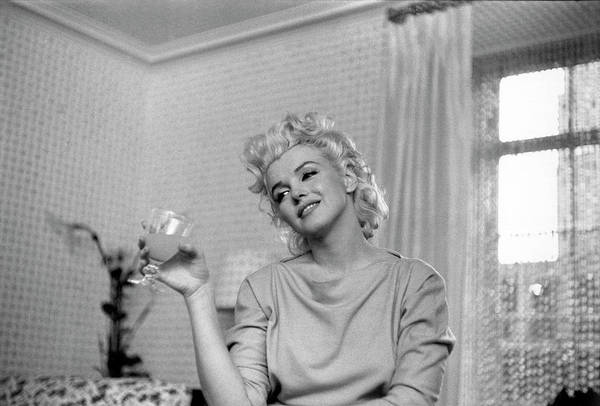 Marilyn Monroe Photograph - Quiet Moment by Michael Ochs Archives