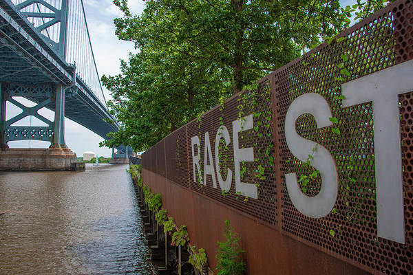 Wall Art - Photograph - Race Street Pier And Ben Franklin Bridge by Bill Cannon